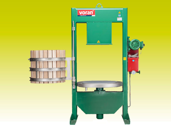Buy Korzinchaty press with a crusher of 180 kg/h of fashion. 60K RM 1,5