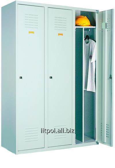 Трехдверный металлический гардеробный шкаф Sum 430