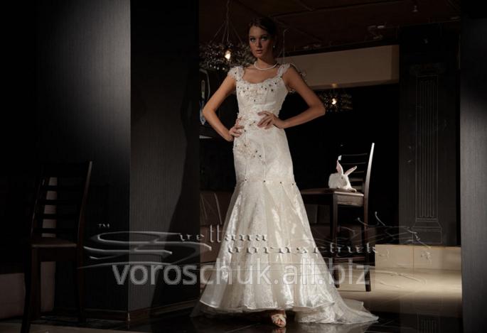 Купити Весільні сукні