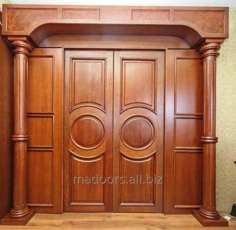 Входные  двери из массива твёрдых пород дерева