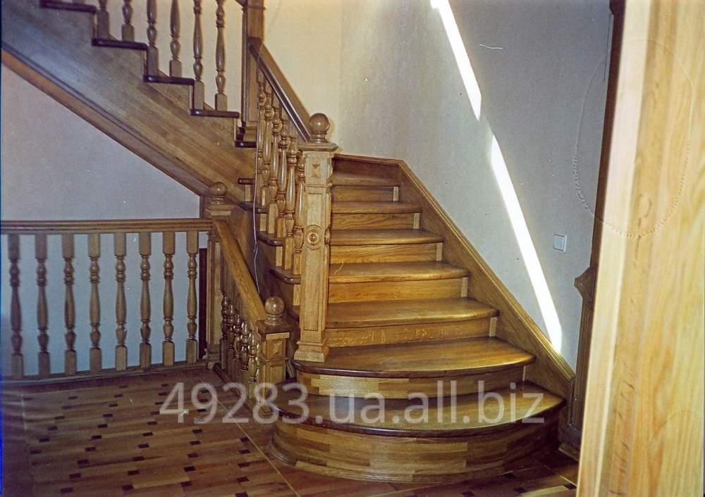 Лестница с закруглёнными ступенями