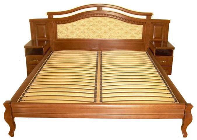 Кровать из дерева двуспальную