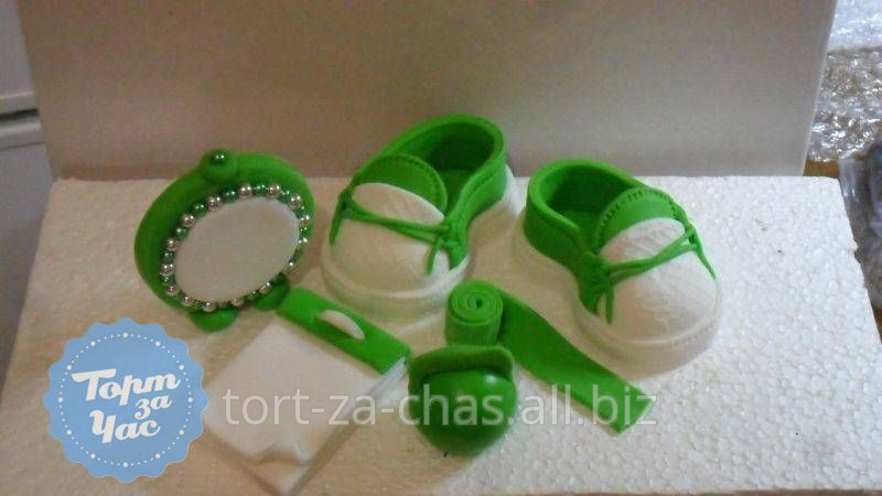 фигурки из зеленой мастики