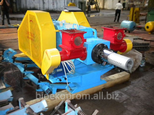 Buy Press for a briketirovka of B80 of sawdust of soft and strong breeds of wood