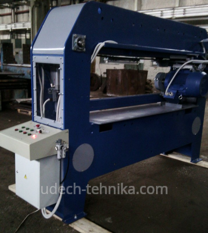 Машина маса на метални UTVK-500
