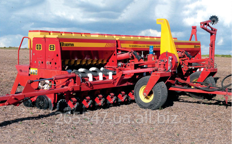 Сеялка Bertini модель 30.000, ширина рамы 9,6 метра, пневматическая, для крупного зерна