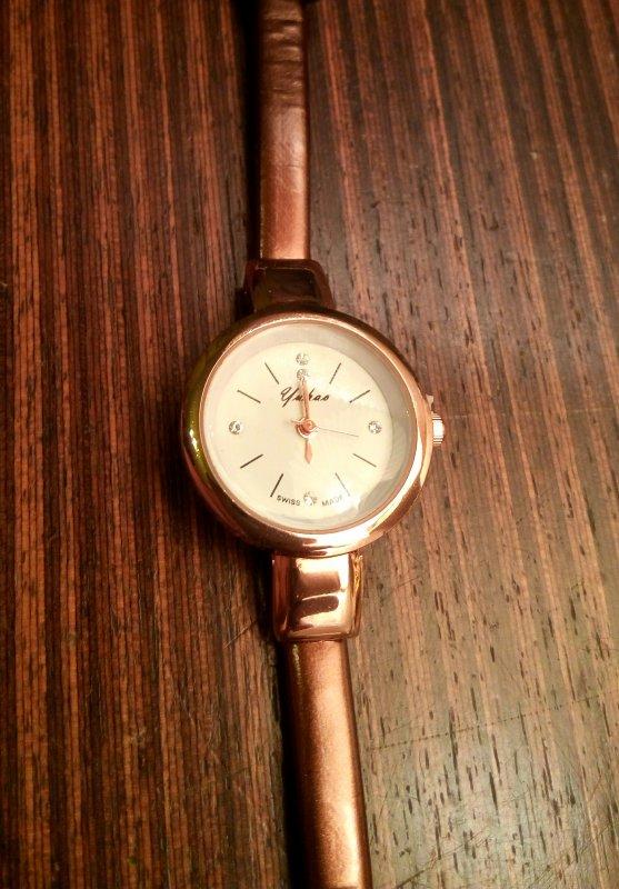 d04ce052 Нежные женские кварцевые часы с тонким ремешком купить в Киеве