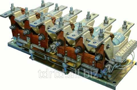 Шайба уплотнительная на фланце резервуара под корпусом дугогасительного устройства ВД8.370.407.2