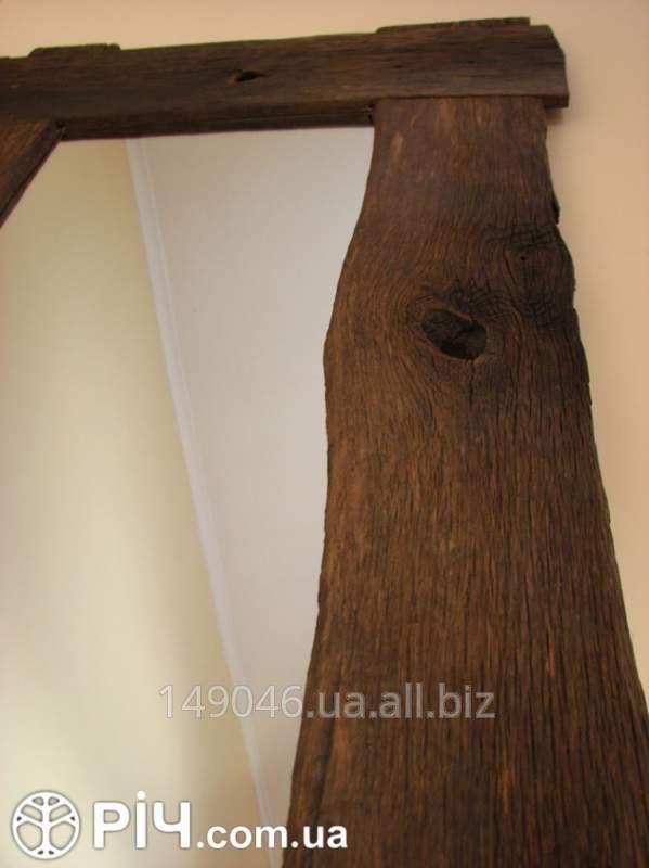 Зеркала с рамкой из натурального дерева