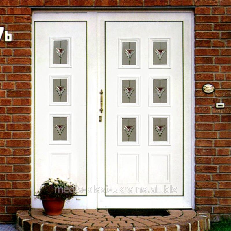 Купить Дверь в особняк с декоративной сендвич панелью Кремень