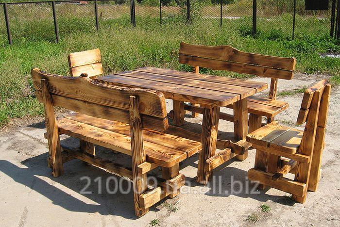 Деревянные стол и лавки для дачи