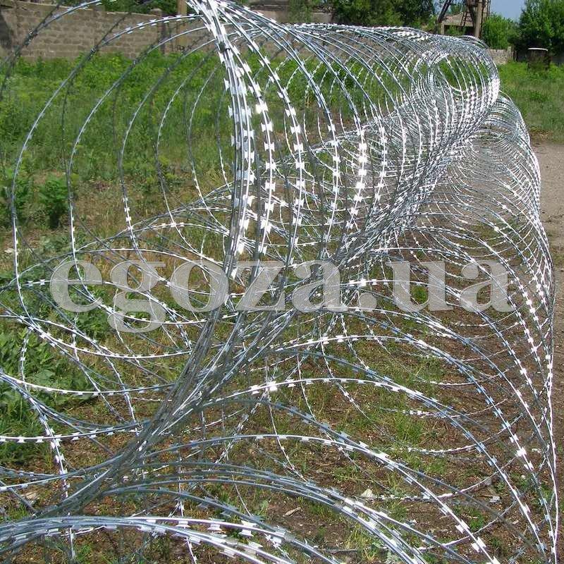 Егоза Стандарт+ диаметром 1350 мм на девяти скобах, Спиральный барьер безопасности СББ