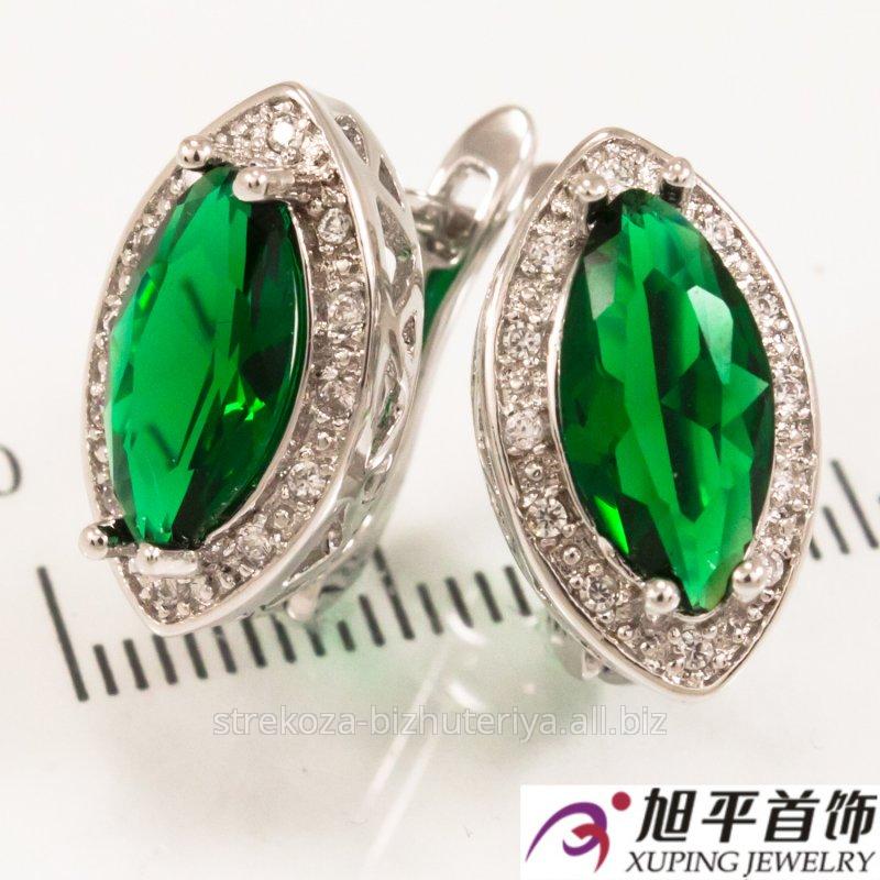 """Купить Серьги родиум """"Зауженный большой зеленый граненный камень в оправе мелких камней"""" 324940(5)"""