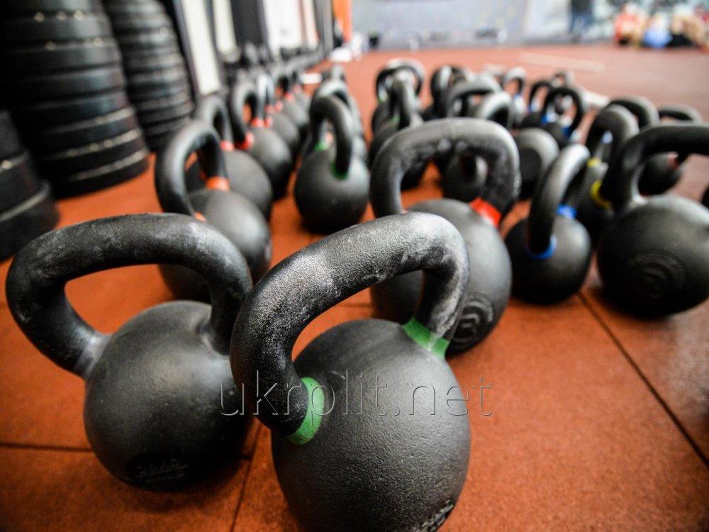 Резиновая плитка для фитнес и тренажерного зала