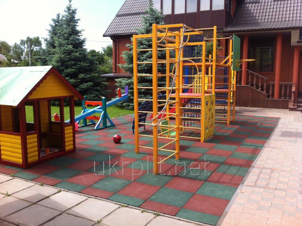 Резиновая плитка для частных детских площадок