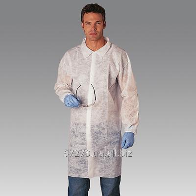 Одноразовый халат на кнопках или молнии белый