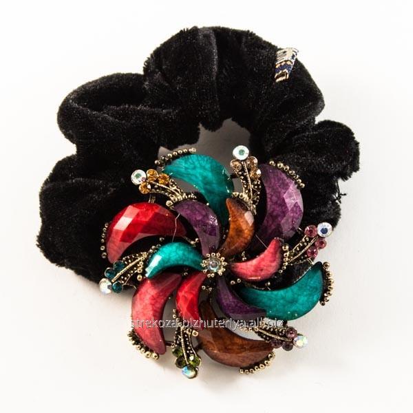 Купить Резинка для волос велюровая, с бронзовой брошью из страз и камней 213163(41)