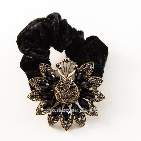 Купить Резинка для волос велюровая, с бронзовой брошью из страз и камней 213163(48)