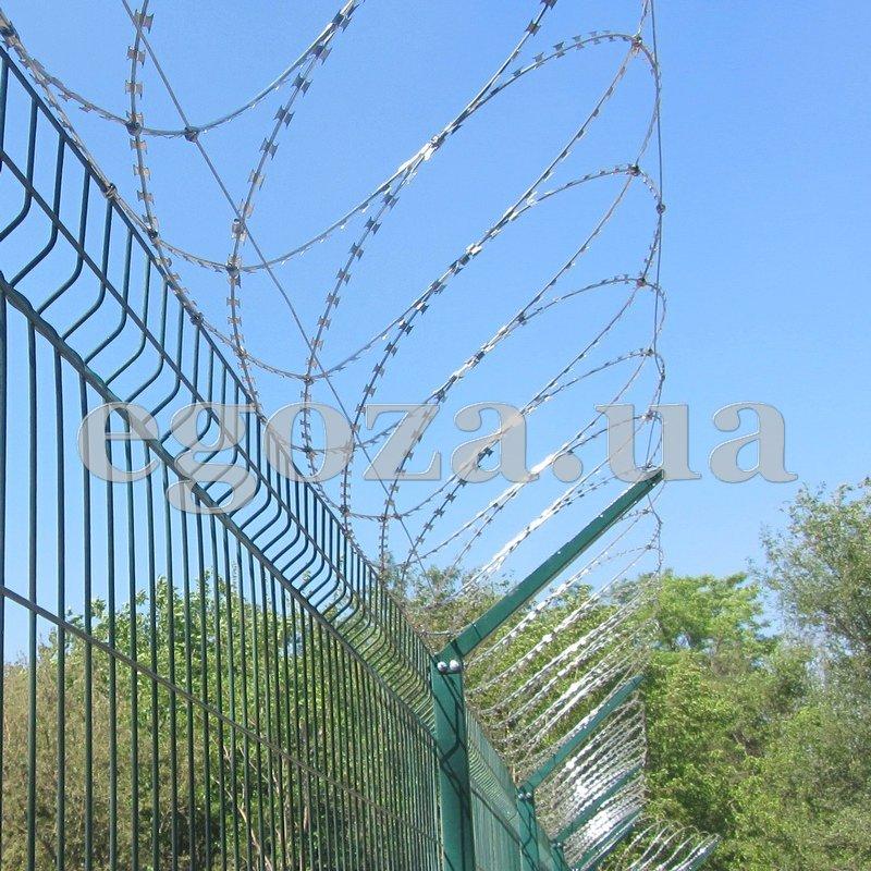 Concertina Flat 600 Flat PBB security barrier 600 mm diameter barbed ...