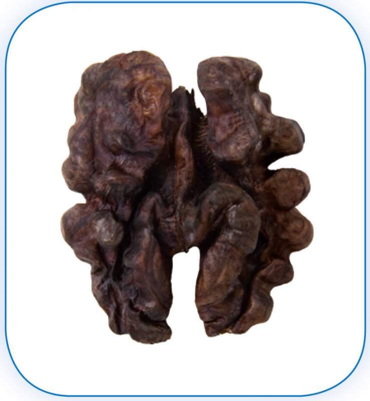 Грецкий орех - клacc 2: Ядра орехов по цвету не темнее темно-коричневого оттенка. Более темные ядра орехов могут продаваться по данному классу с указанием цвета на упаковке.