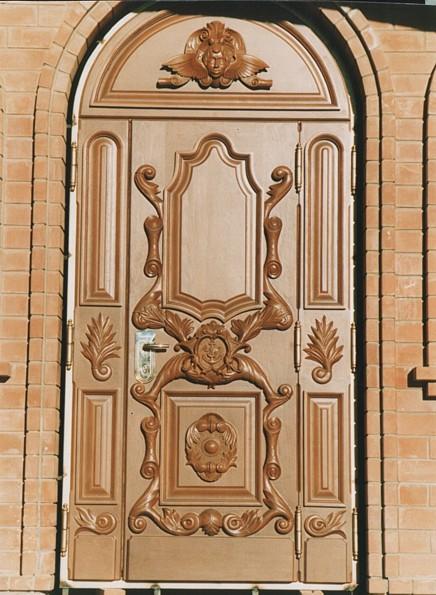 двери входные домовые москва