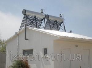 Термосифонный безнапорный солнечный коллектор со встроенным баком