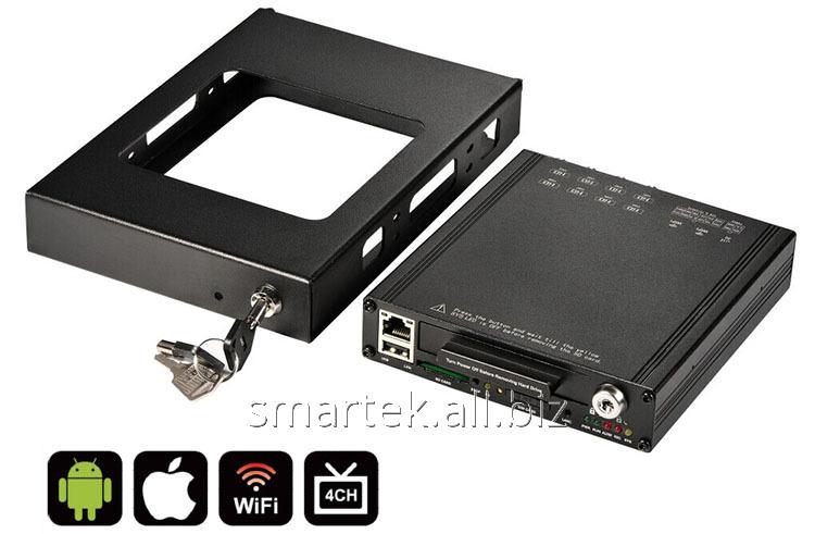 Автомобильный видеорегистратор HDVR8045 SSD