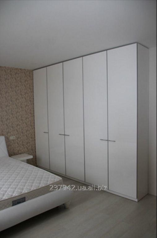 Шкаф-купе для спальной комнаты модель 10