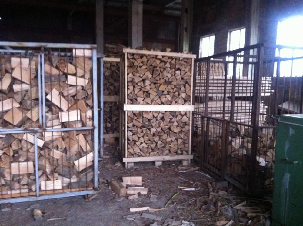 Дрова колотые (дуб, береза, ясень, ольха, осина). Предприятие-производитель. Фасованные в сетки по 8 кг. и насыпью.