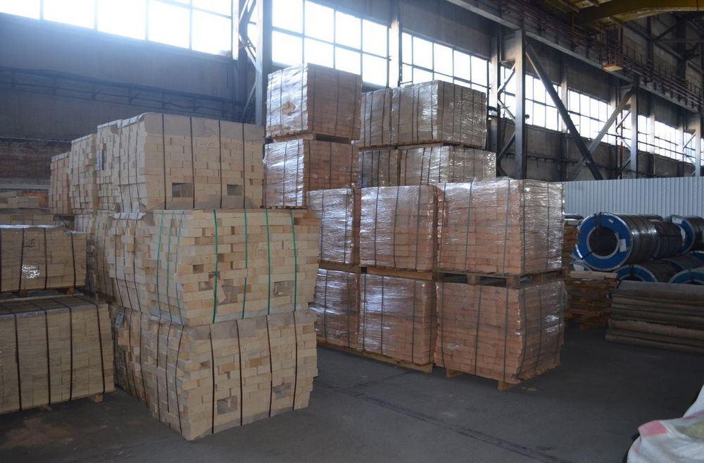 Купить Кирпич огнеупорный динасовый симетричный марка ДВ 8 размер 230х150х120х75мм