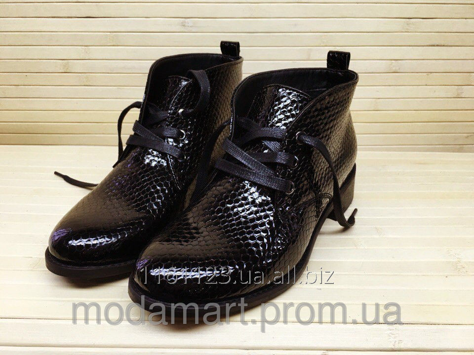 4f559d2f53eca Women's boots on a low heel. Color is black. Structure genuine leather  varnish. Size 36-40. YS 1939-Z