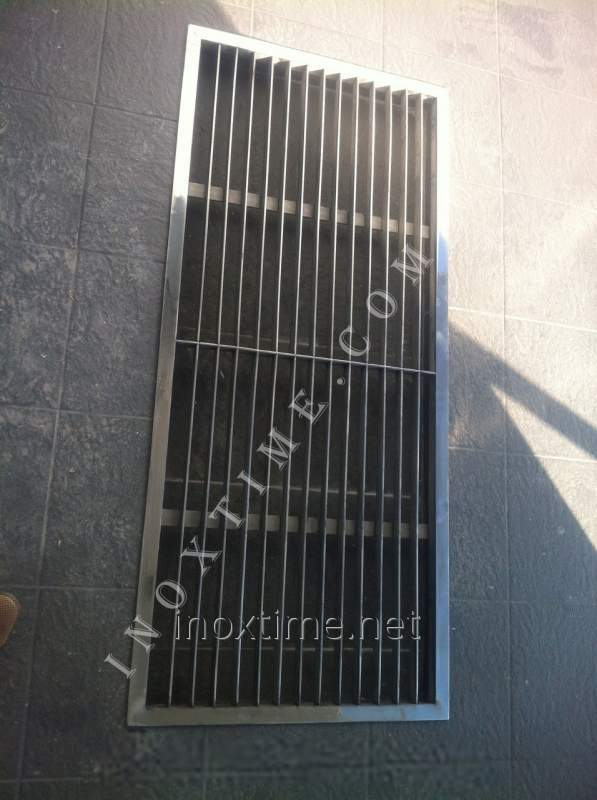 Lattice mud-clearing of stainless steel