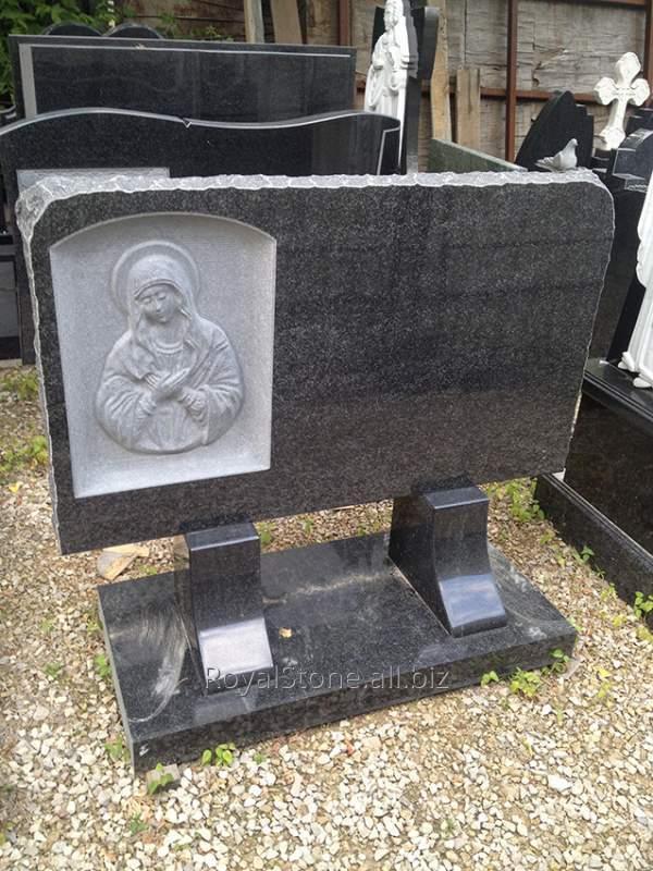 Стелла с изображением Божьей Матери