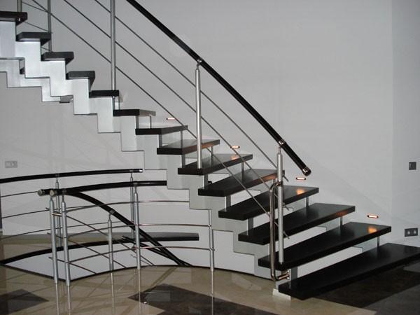 Купить Лестницы на курсорах,лестницы,элементы декоративно-отделочные архитектурные,стройматериалы,Новояворовск,Львов,Львовская область