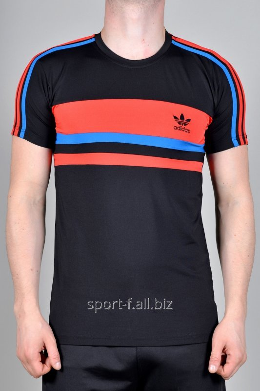 Футболка Adidas.