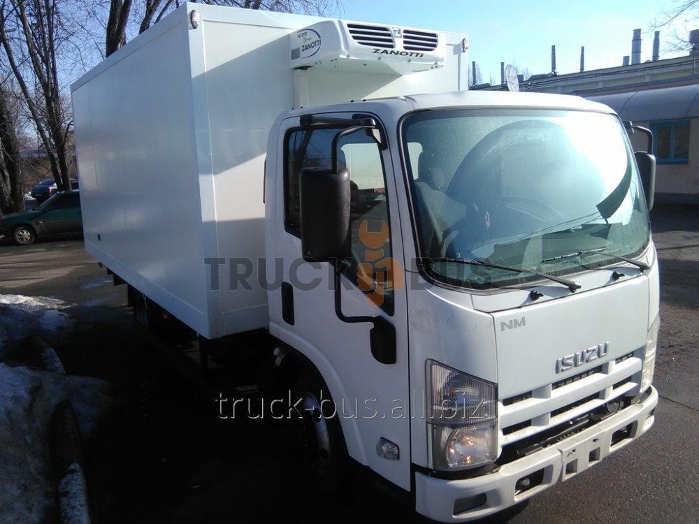 The ISUZU NMR 85 L-car a van with the refrigerator