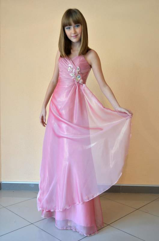 30c0dba5edb8ff0 Праздничное платье платья для девочек, Луганск. купить в Луганске