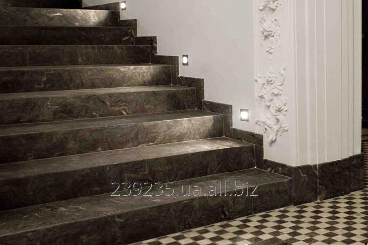 la escalera de la piedra natural