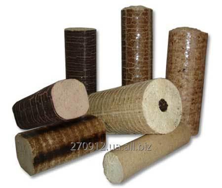 Топливный брикет из древесных опилок