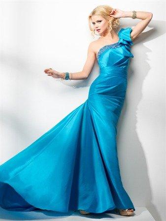 Купити Бальні, вечірні, коктельние, весільні плаття в будь-якому розмірі й кольорі
