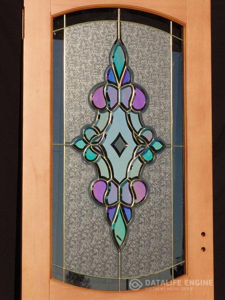 Полупрозрачные зеркальные стекла с применением нитрида титана с оптическими свойствами, как у золота