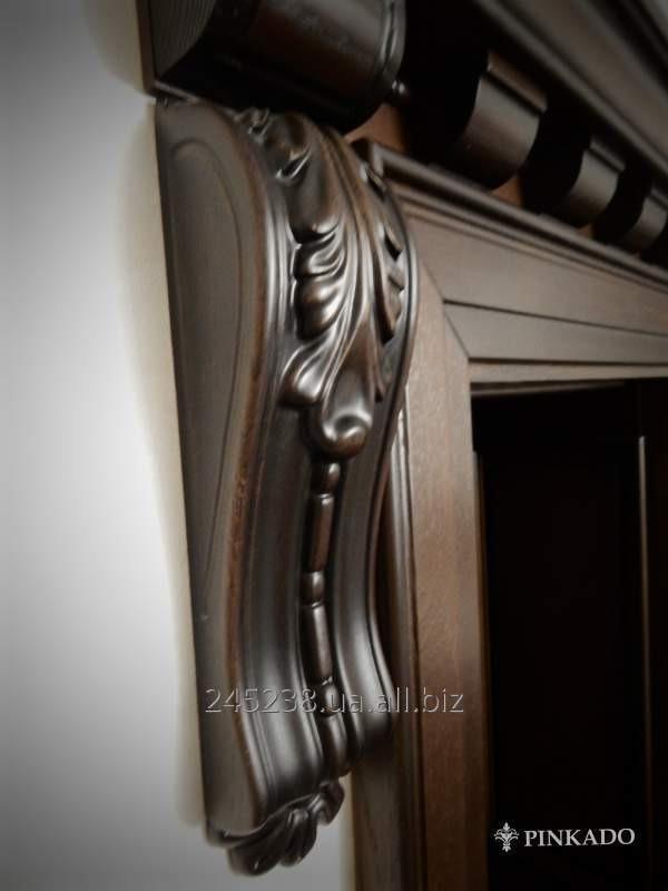 Дверь деревянная резная
