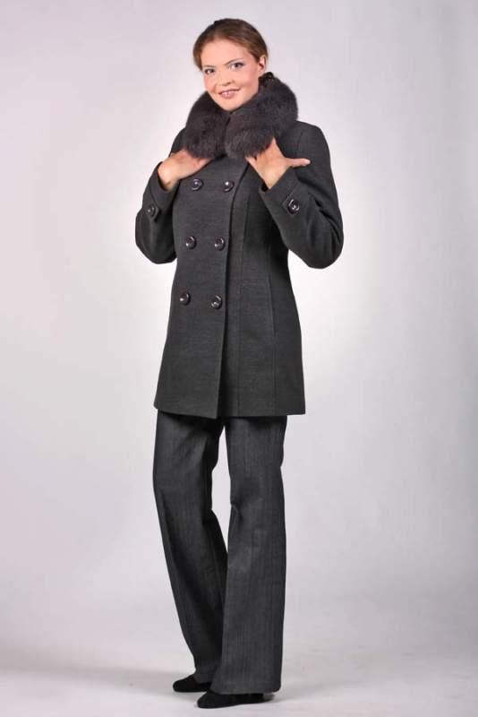 Зимове жіноче коротке пальто з хутряним коміром купити в Харків cf4e0c8b2221f
