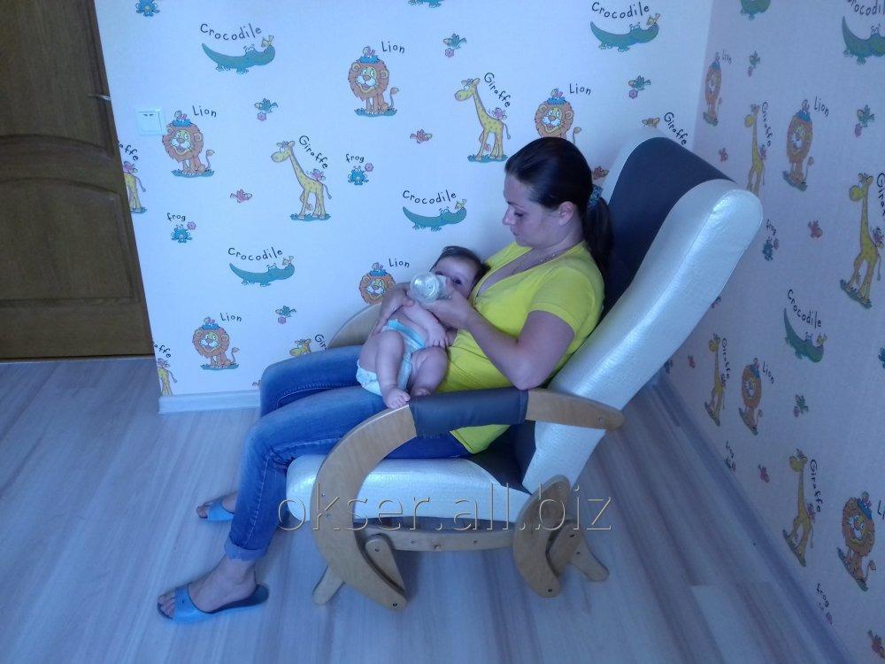 Купить Кресло качалка маятникового типа для одыха и кормления малыша