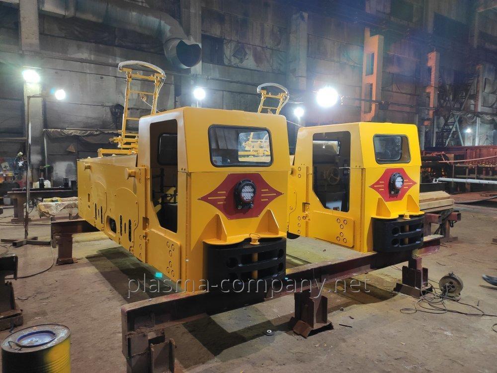 Электровоз контактный узкоколейный шахтный К-14М