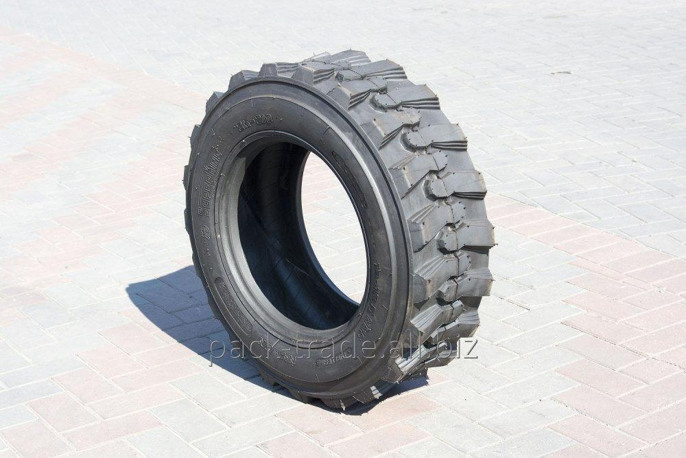 Wheels on a loader of 10-16.5 NHS 10PLY SK-210 Superking