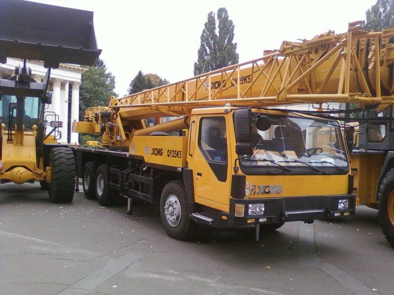 Купить Аренда автокрана XCMG,г/п 25 тонн,телескоп 38,5 м + гусек 9 м.