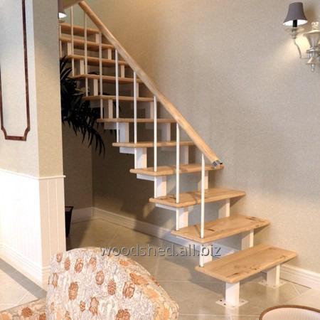 Лестница на черновом металлокаркасе без метало-са