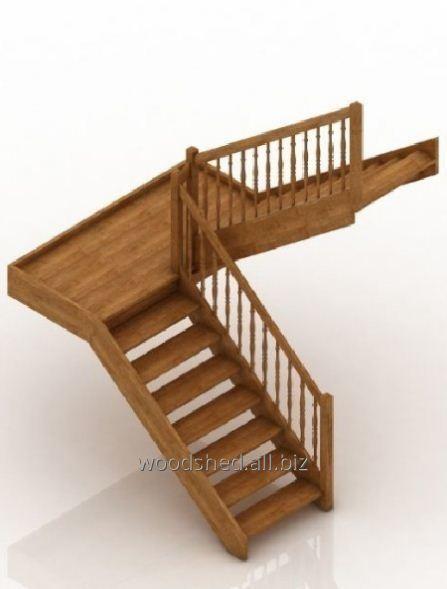 Лестница на деревянном каркасе площадка 180°