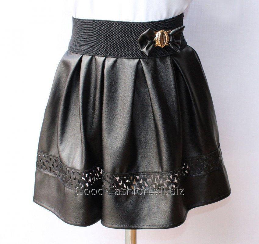 Перфорация на кожаных юбках